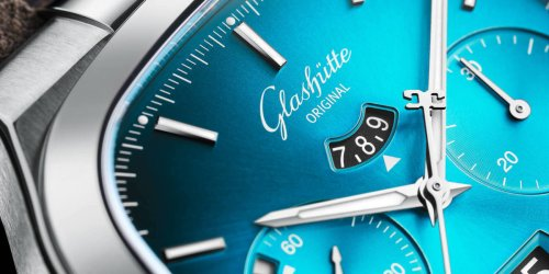 Glashütte Original gives the Seventies Chronograph Panorama Date a pair of bright new color options