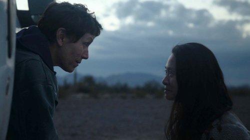 'Nomadland': Por qué una 'road movie' dirigida por una directora china es la favorita para los Oscar 2021
