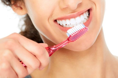 6 Home Remedies for Sensitive Teeth