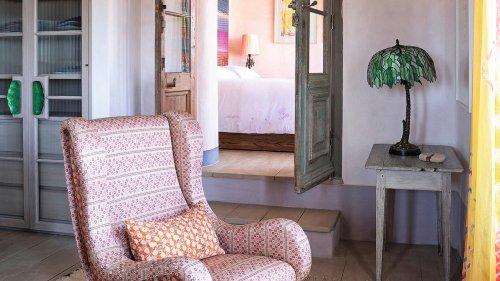 In diesem Ferienhaus auf Mykonos trifft griechischer Charme auf afrikanische Muster und Midcentury-Möbel