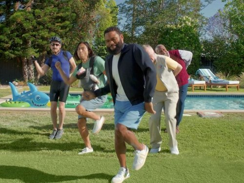 Anthony Anderson shakes his nuts in Planters' Father's Day ad