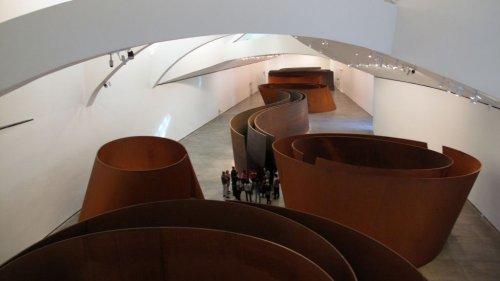Richard Serra expose sa nouvelle œuvre monumentale à la galerie Gagosian Le Bourget