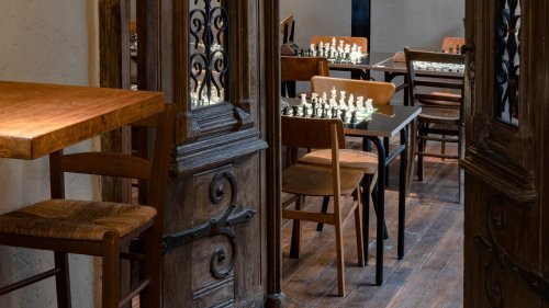 À Saint-Germain-des-Prés, une nouvelle adresse pour se perfectionner aux échecs
