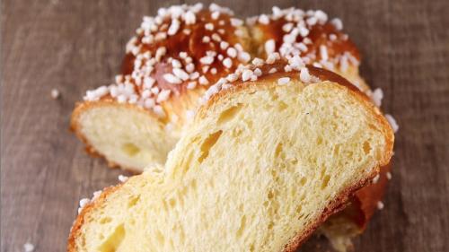 Un chef pâtissier partage sa recette de brioche moelleuse