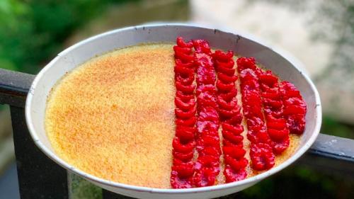 La recette de la crème brûlée verveine-framboises de Guillaume Goupil