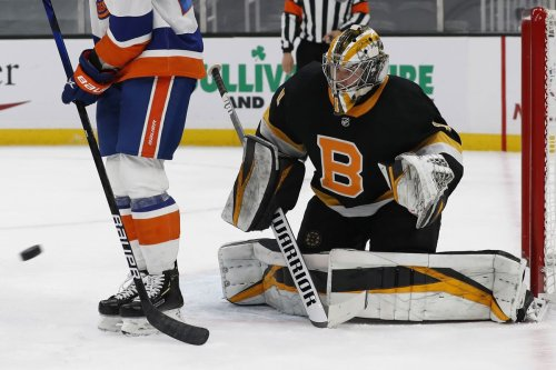 Shutouts and selfies: Anchorage rookie goaltender Jeremy Swayman makes an impact with Boston Bruins