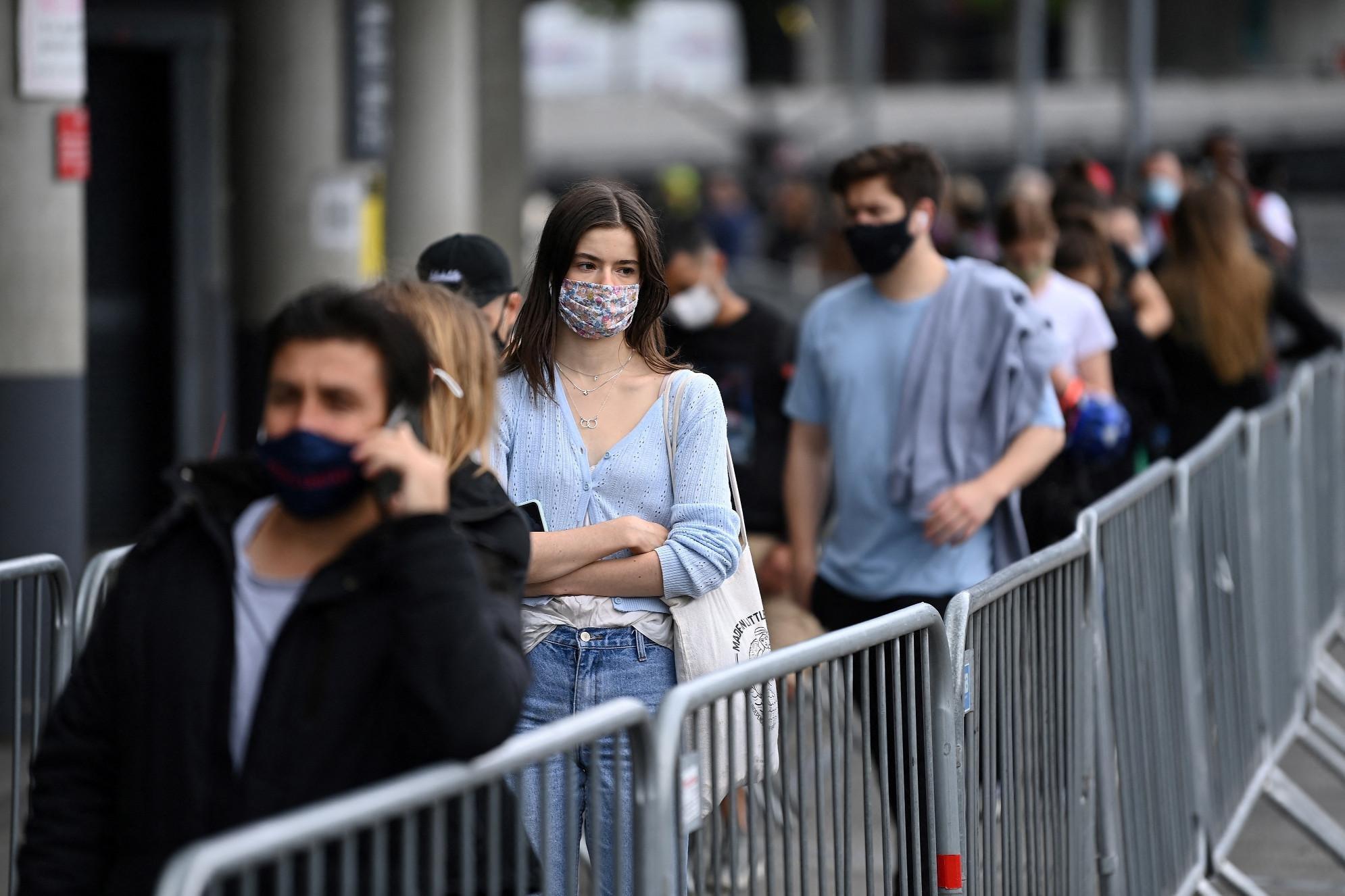 Covid Gb, oltre 24mila contagi in un solo giorno