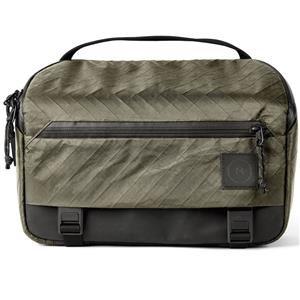 A minimalistic camera sling