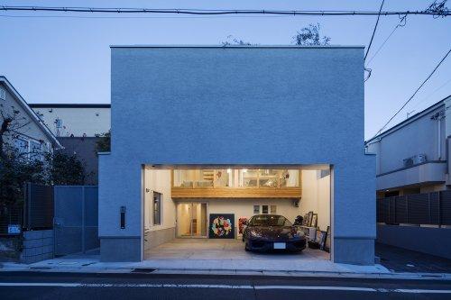 Garage Hall House / Tsukagoshi Miyashita Sekkei
