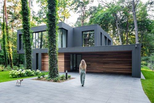 House Blended Into The Forest / Z3Z ARCHITEKCI