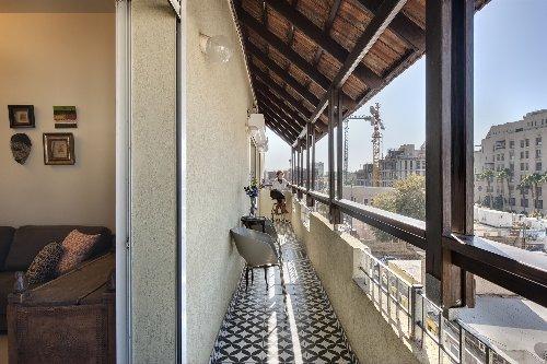 Refresh – The Urban Escape Home / Dcolin-design + Sara Roffman Design