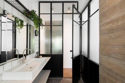 Bauhaus Apartment Redesign / RUST architects