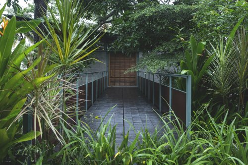 Reflections House / Thought Parallels