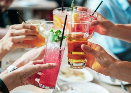 6 Refreshing and Easy Summer Cocktails
