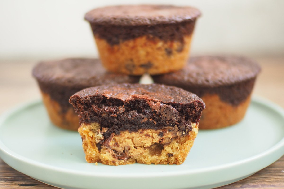 Brookies Recipe With Oreos and Reese's Peanut Butter Cups