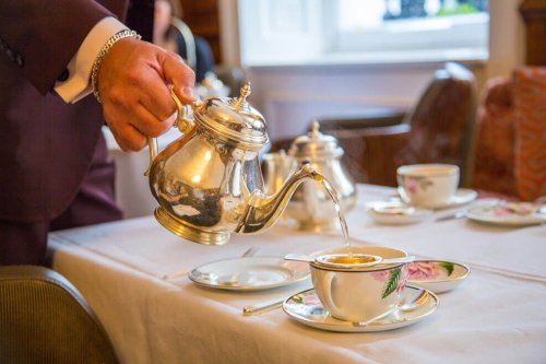 Afternoon Tea Etiquette - Top 10 Dos & Don'ts   UK Guide