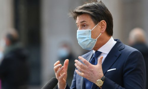 Grillo all'ambasciata cinese, Conte smorza polemiche