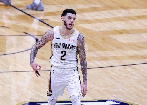 Report: NBA executives believe Pelicans will discuss sign-and-trade deal for Lonzo Ball this offseason