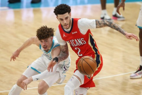 Report: Double sign-and-trade that would send Lonzo Ball to Hornets may be in play