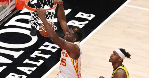 Photos: Hawks outduel Pacers at home