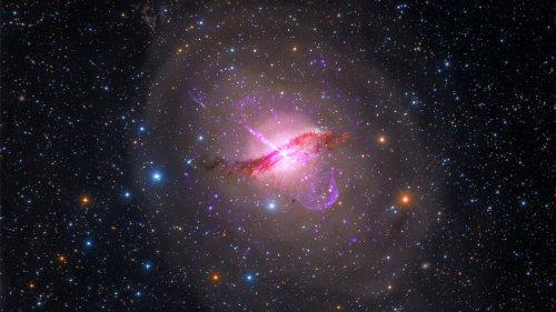 Direkter Blick ins Schwarze Loch: Forscher beobachten die Entstehung eines Radiojets