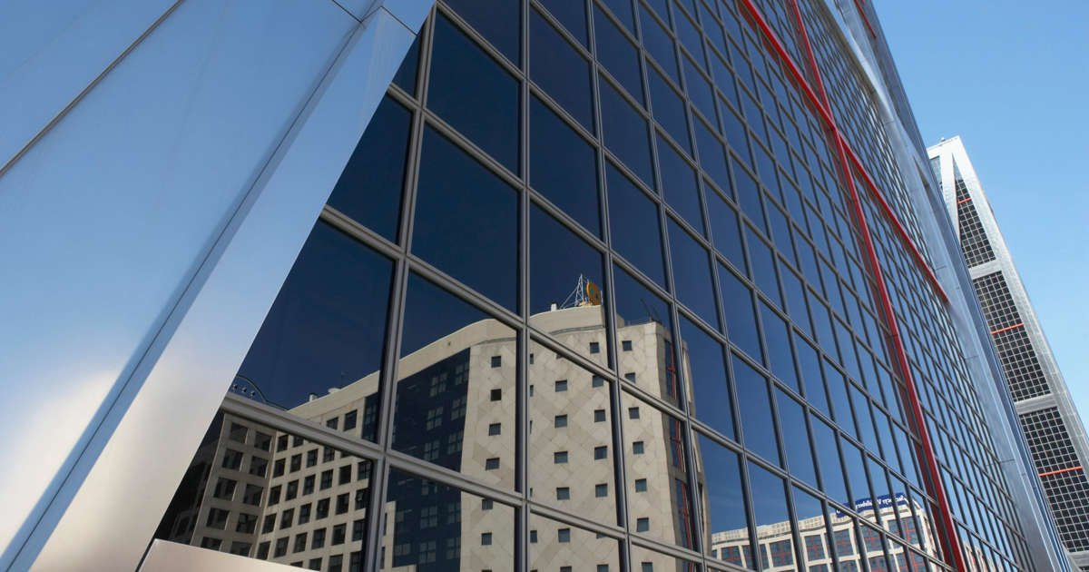 REITs 101: Investing in Commercial Real Estate Through Stocks