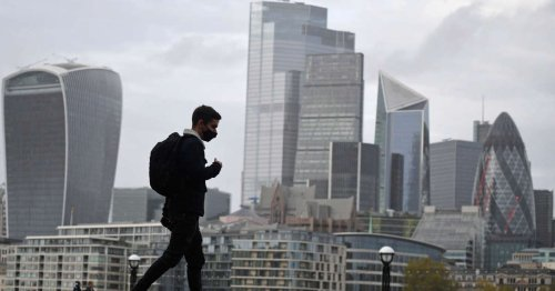 Bank of England steps in to stop rush of bankers relocating to EU