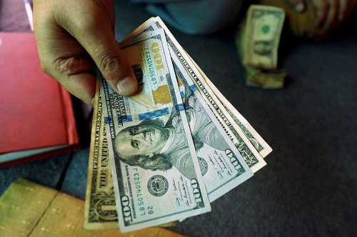 Canadian dollar recovers from 6-day low as greenback slides By Reuters