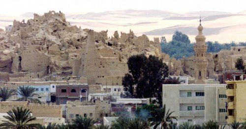 Tourists drawn to hot springs, natural beauty of Egypt's remote Siwa Oasis