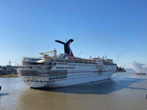 Cruise ship returns to Alabama