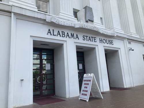 Bill aims to expand Alabama students' rights to challenge suspensions