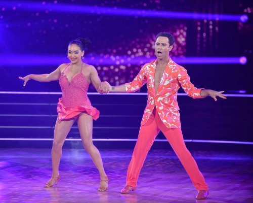 Suni Lee makes impressive debut on 'Dancing with the Stars': 'You can jive, baby'