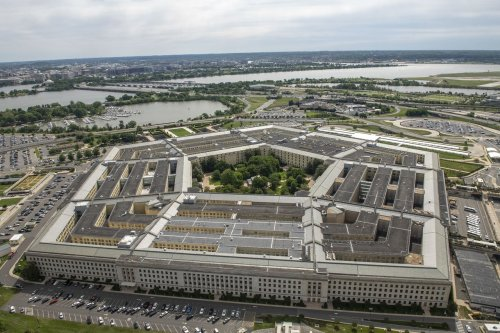 Pentagon on lockdown after shooting near Metro station; police officer fatally stabbed