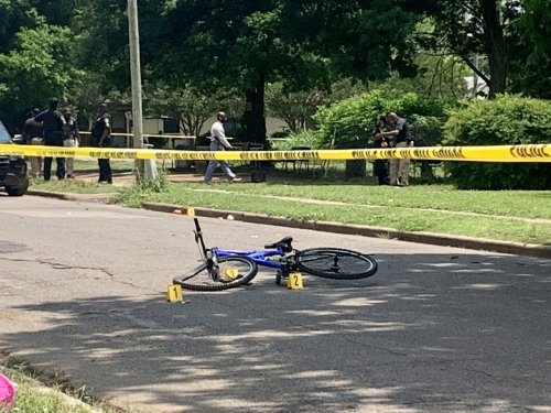 Male shot to death in broad daylight while riding a bicycle in south Birmingham