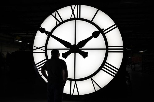 When does the time change? When does daylight saving time end?