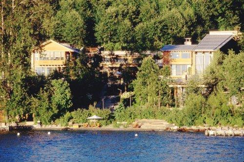 Bill and Melinda Gates divorce: Who gets $130 million mansion? 242,000 acres of farmland?