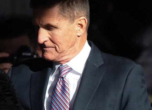 Former Trump adviser Gen. Michael Flynn backs Mo Brooks in Senate race