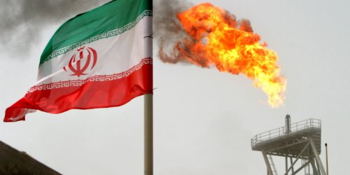 US Weighs Crackdown on China's Import of Iranian Oil