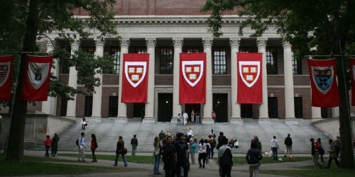 Over 850 Harvard Affiliates Denounce Antisemitism, 'Demonization' of Israel