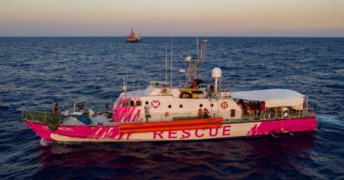 Dozens of migrants heading to Yemen thrown overboard, feared dead