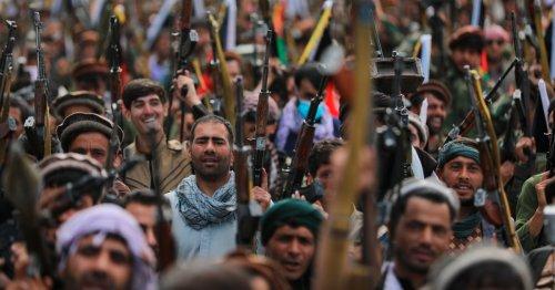 Taliban gains drive Afghanistan gov't to arm local volunteers