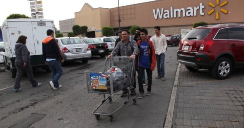 Bagging groceries for extra cash, Mexican elderly told to pack up