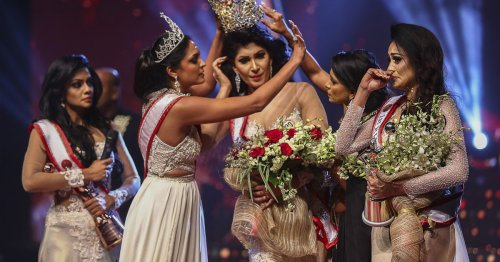 'Mrs World' returns her crown after Sri Lanka pageant controversy