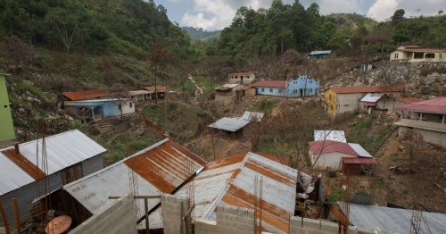 Desperate Guatemalans 'risking their lives' in journey to US
