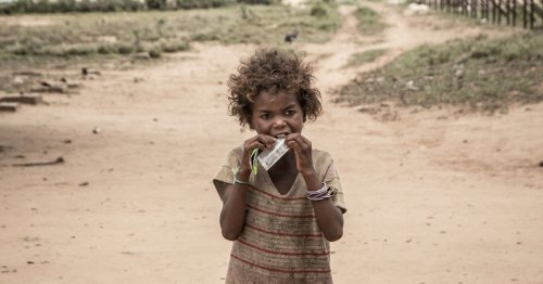 Starving Malagasy forced to eat leaves, locusts for survival