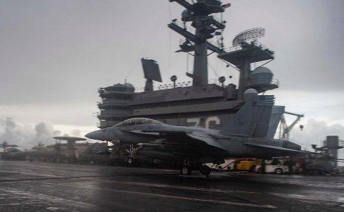 US Navy aircraft carrier USS Reagan enters South China Sea