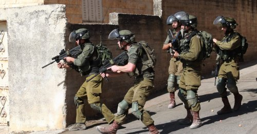 Israel arrests Hamas members in West Bank raids