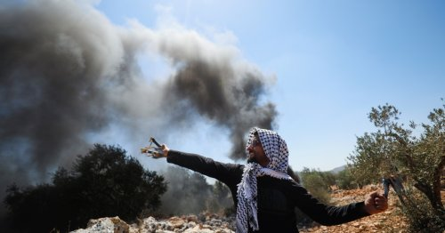 Palestinian protester shot by Israeli soldiers dies: Ministry