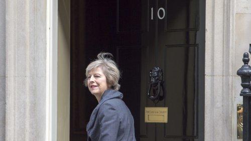 UK: Theresa May set to replace David Cameron as PM