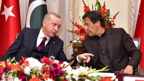 Turkey's Erdogan, Pakistani PM talk before Afghan peace summit